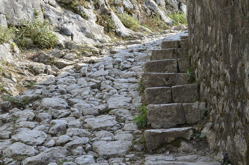 Dubrovnik to Montenegro   Kotor Fortress hike