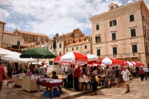 What To Do In Dubrovnik Old Town | Green Maket